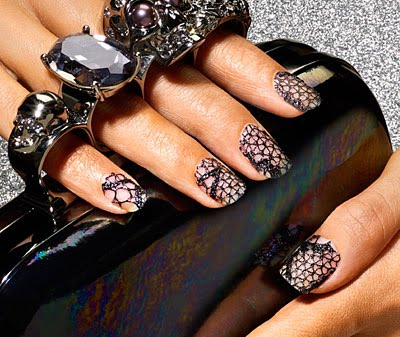 1001-barielle-lace-manicure