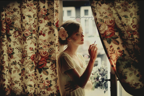 fashion_flowers_vintage_cigarette_curtain_flower-b172b0221140da8a763c8532abdcff2e_h_large
