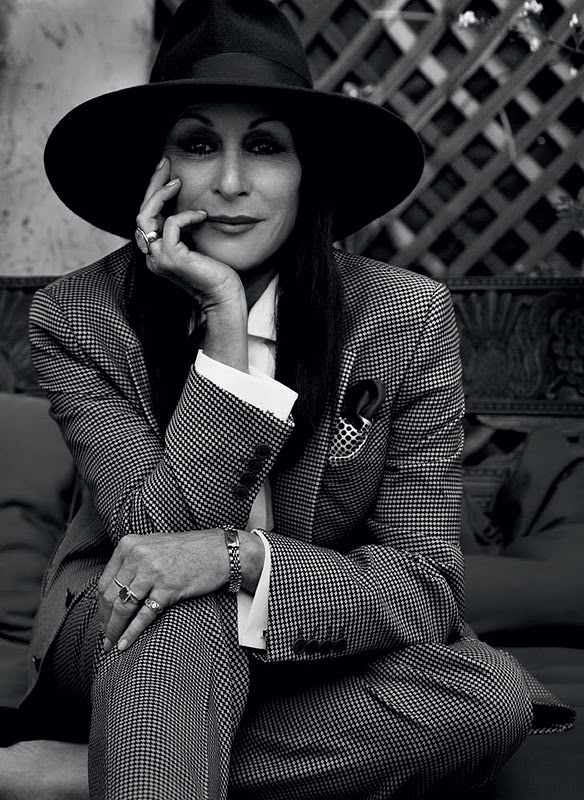 Angelica Huston_2.jpg