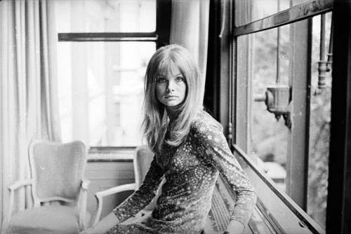 jean-shrimpton-by-window.jpg