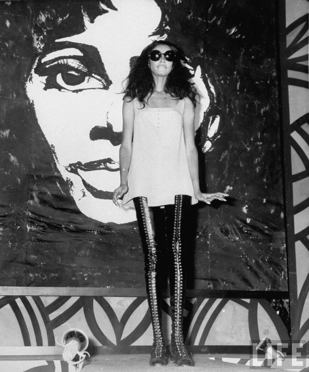 donyale-luna_sydney_1967_leather-lace-ups1.jpg