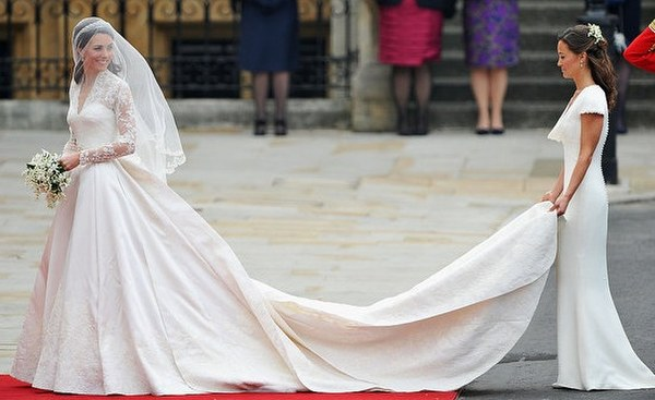 Kate Middleton in Alexander McQueen wedding dress. 2011.