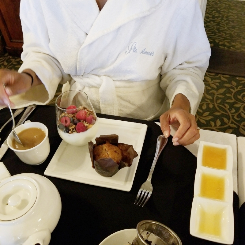 Spa wear is the norm in the dining room during breakfast and lunch service.