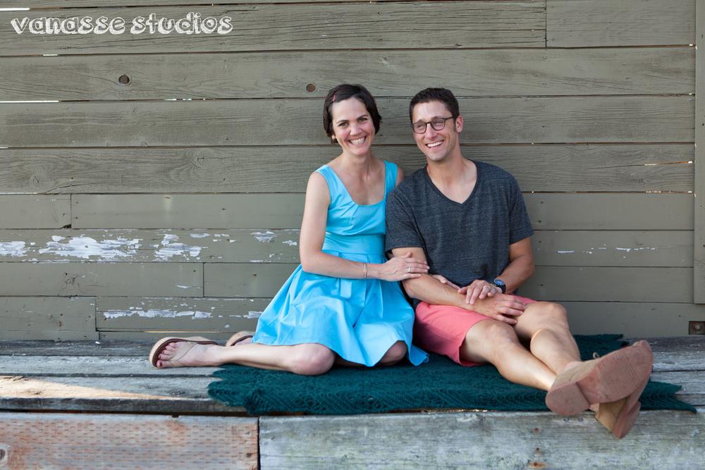 Bainbridge-Seattle-Photographers-Engagement-Couple_002.jpg
