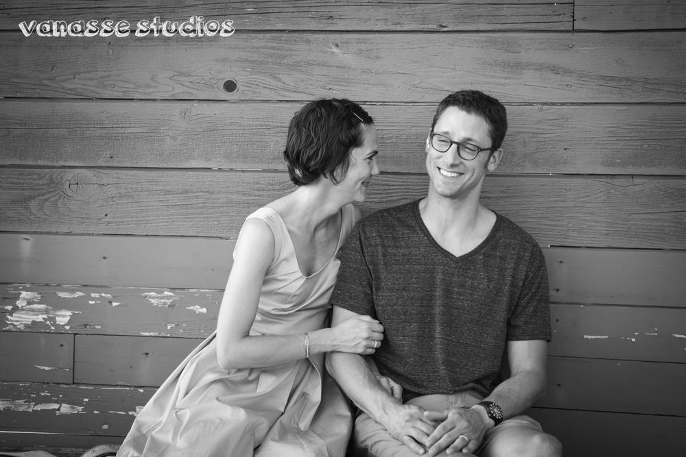 Bainbridge-Seattle-Photographers-Engagement-Couple_003.jpg