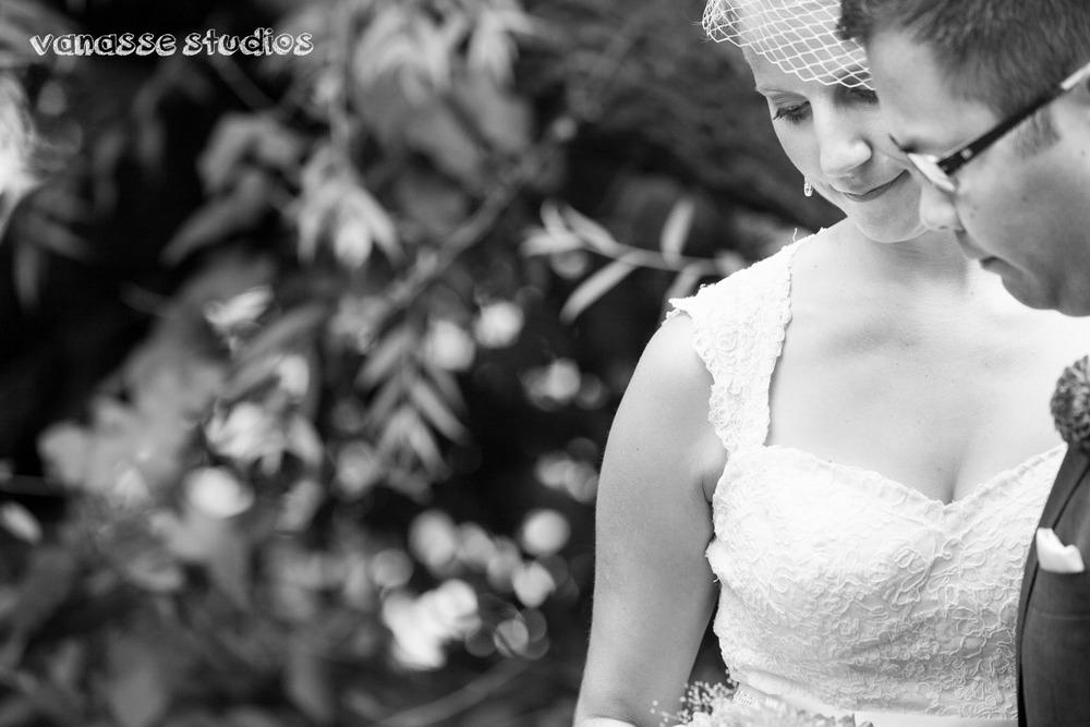 Claire-Jon-Seattle-Wedding-Photographers-Bell-Harbor-021.jpg