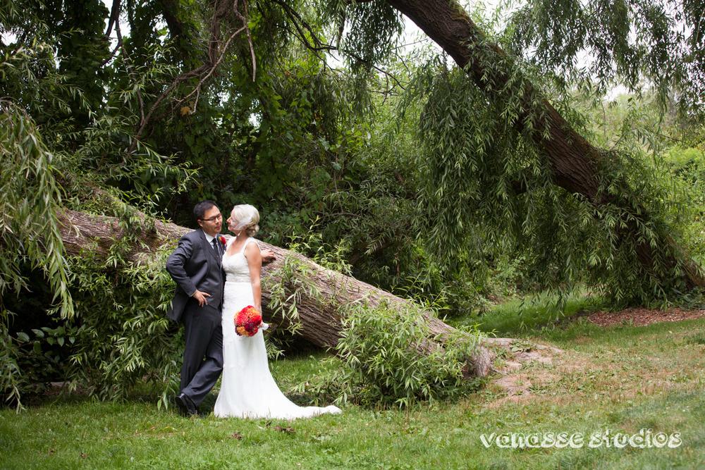 Claire-Jon-Seattle-Wedding-Photographers-Bell-Harbor-025.jpg
