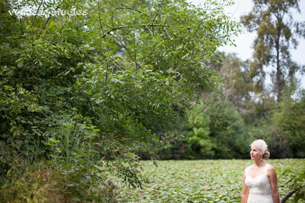 Claire-Jon-Seattle-Wedding-Photographers-Bell-Harbor-030.jpg