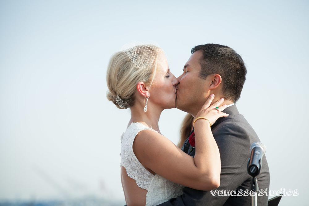 Claire-Jon-Seattle-Wedding-Photographers-Bell-Harbor-041.jpg