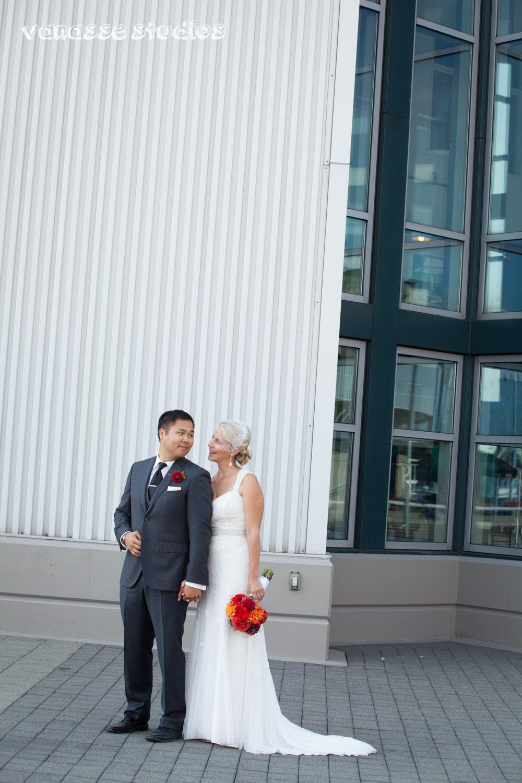 Claire-Jon-Seattle-Wedding-Photographers-Bell-Harbor-043.jpg