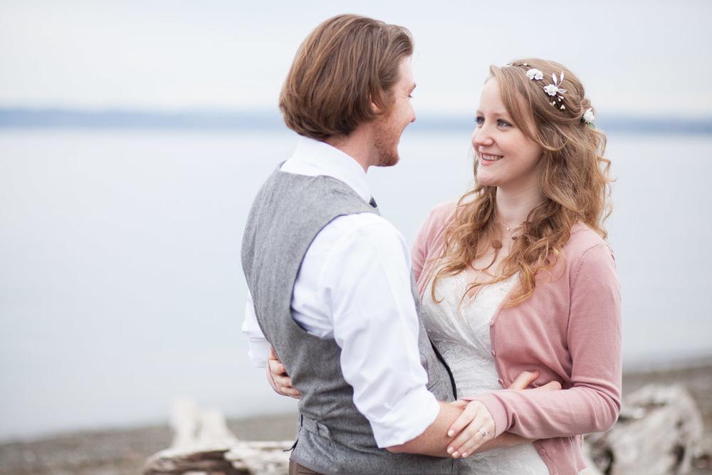 Seattle-Wedding-Photographer_AshleyandJames_03.jpg