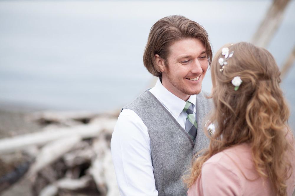 Seattle-Wedding-Photographer_AshleyandJames_04.jpg