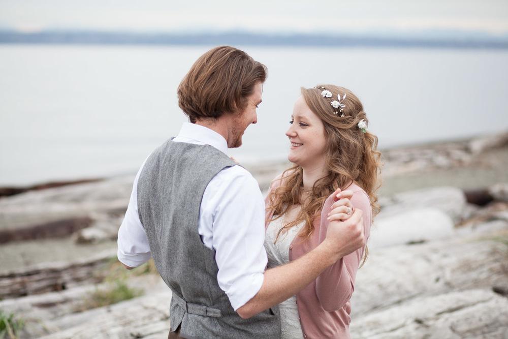 Seattle-Wedding-Photographer_AshleyandJames_12.jpg