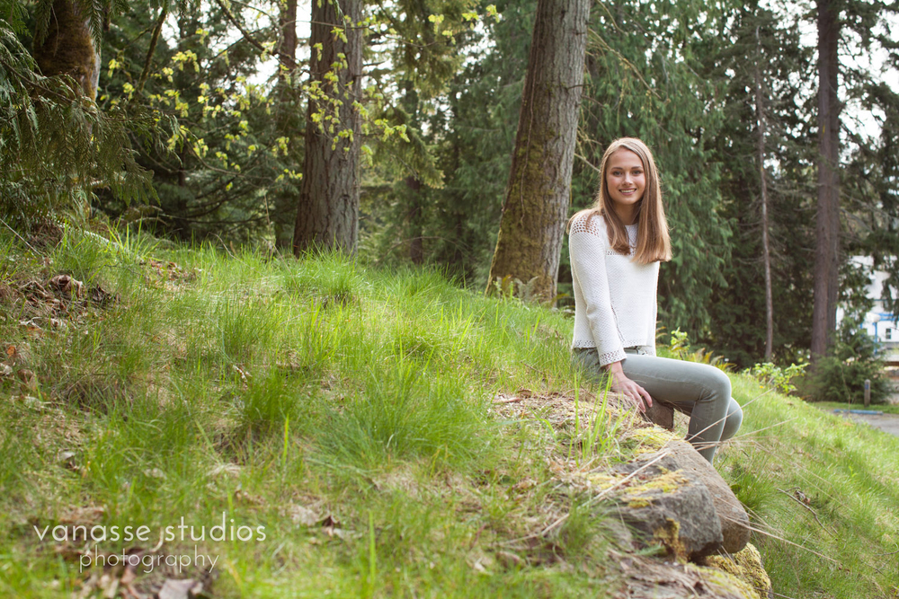 Rachel-Bainbridge-Island-Senior-Photography_001.jpg