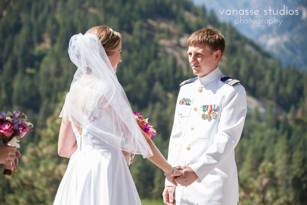 Leavenworth-Wedding-Photographers_AndreaMike_034.jpg