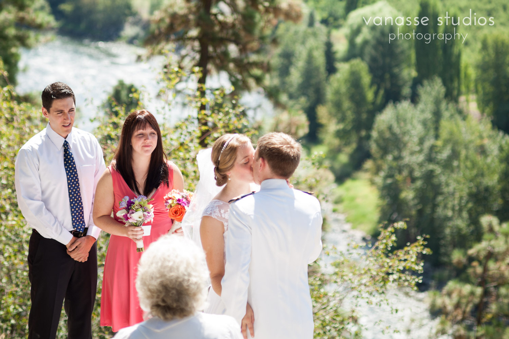 Leavenworth-Wedding-Photographers_AndreaMike_051.jpg