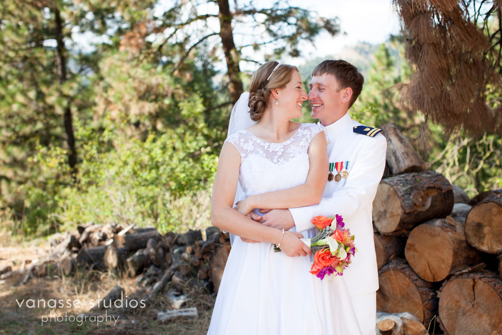 Leavenworth-Wedding-Photographers_AndreaMike_075.jpg