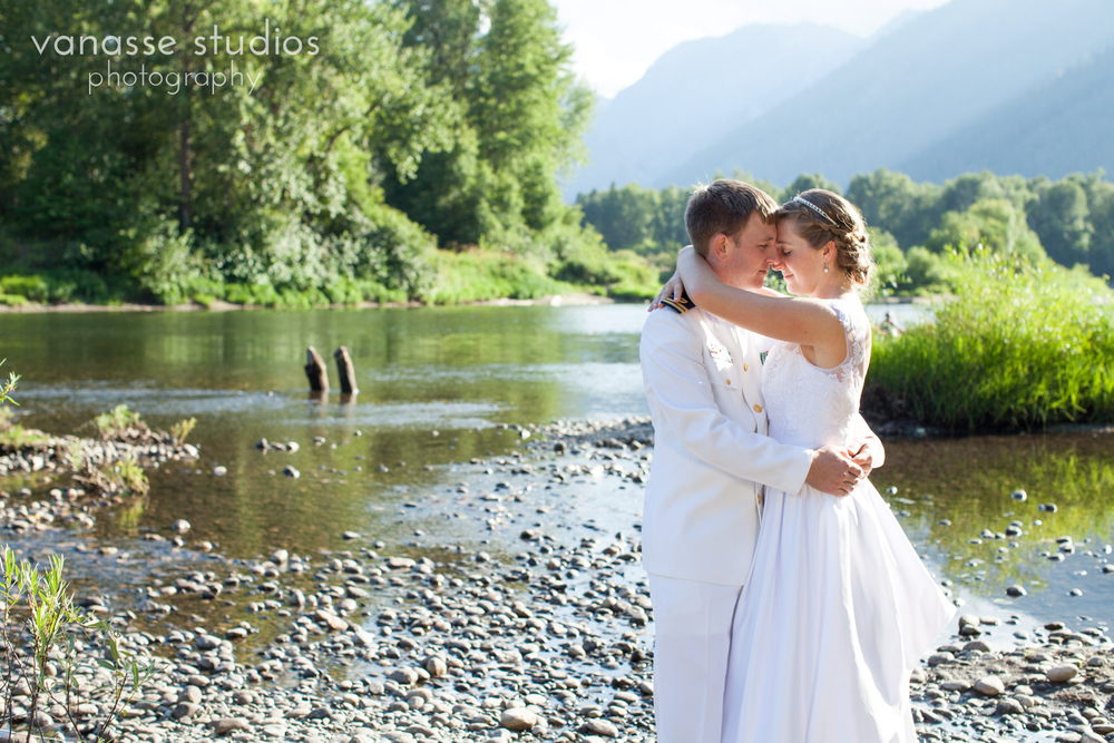 Leavenworth-Wedding-Photographers_AndreaMike_085.jpg