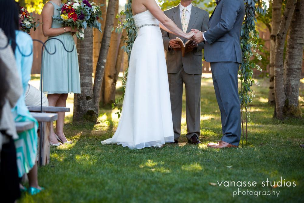 Erin-Clay_Poulsbo-Wedding-Photographers_077.jpg