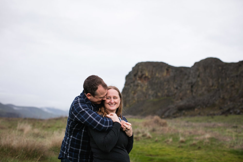 Columbia-River-Gorge-Engagement_CJ_017.jpg