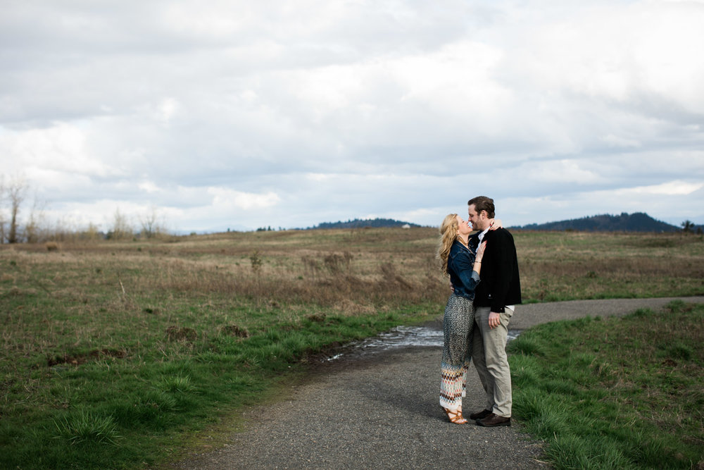 SJ_Portland-Engagement-Photographers-Powell-Butte-Nature-Preserve_001.jpg