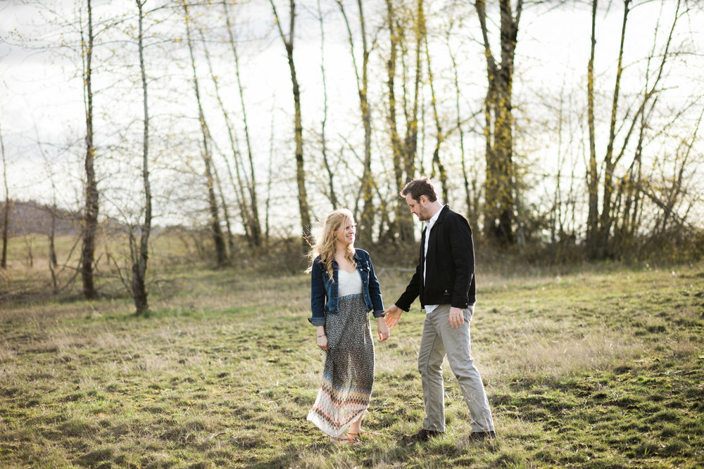 SJ_Portland-Engagement-Photographers-Powell-Butte-Nature-Preserve_010.jpg
