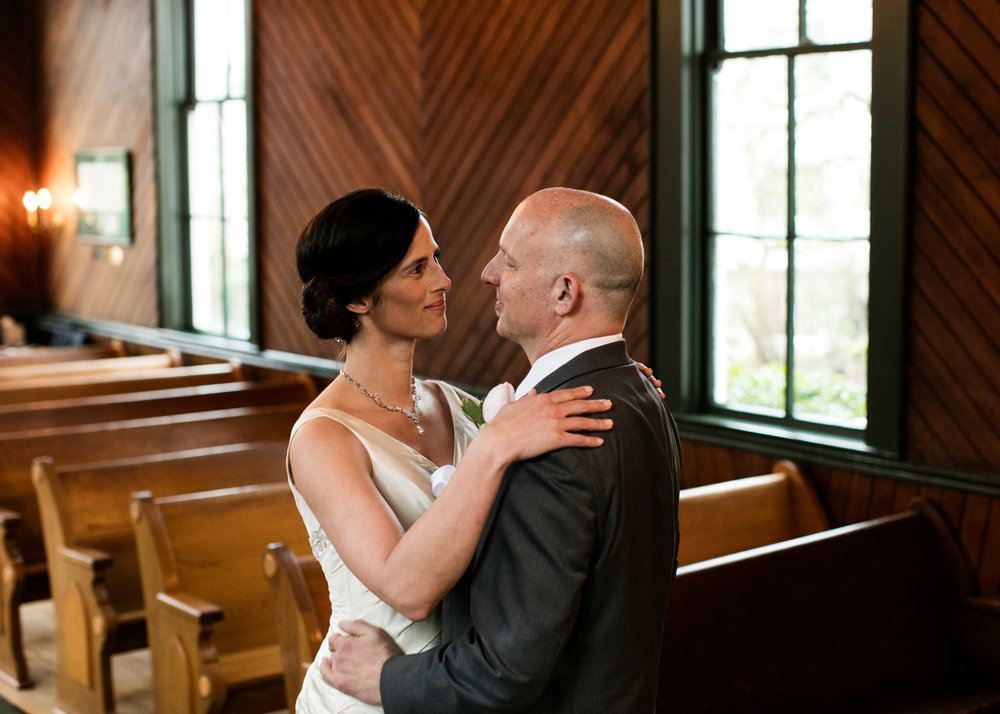 Portland-Wedding-Photographers-Opal-28-Oaks-Pioneer-Church_CadenceandRob_011.jpg