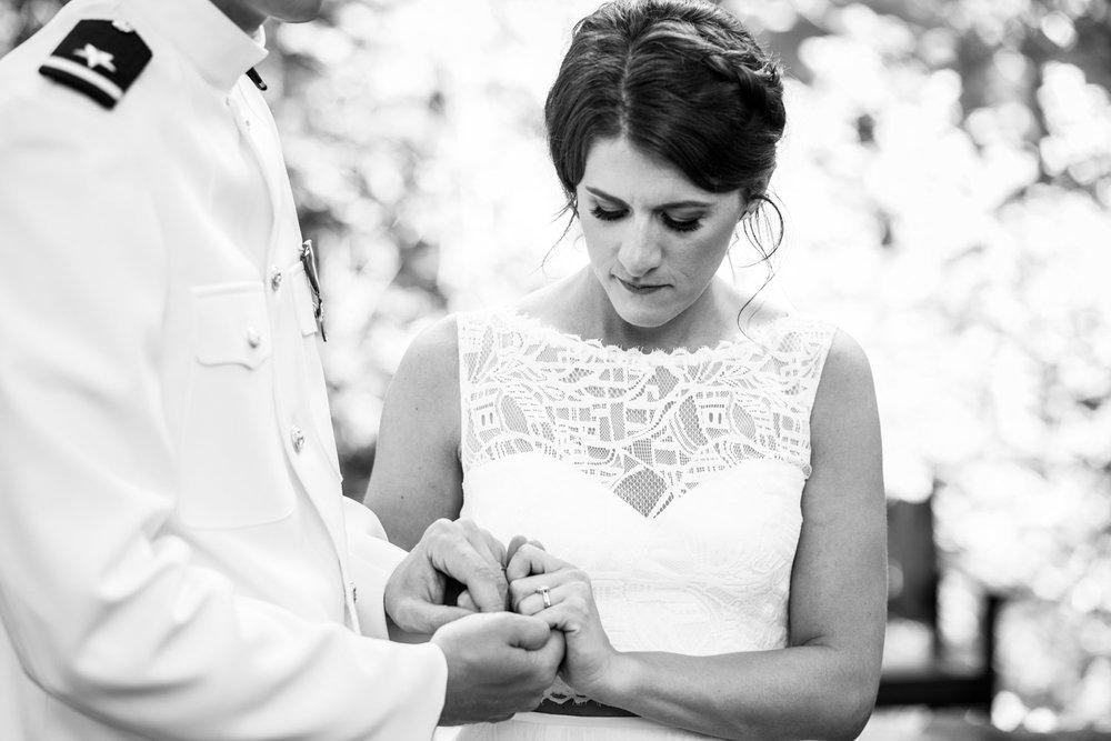 Bridal-Veil-Lake-Wedding-Portland-Photographers_TR_051.jpg