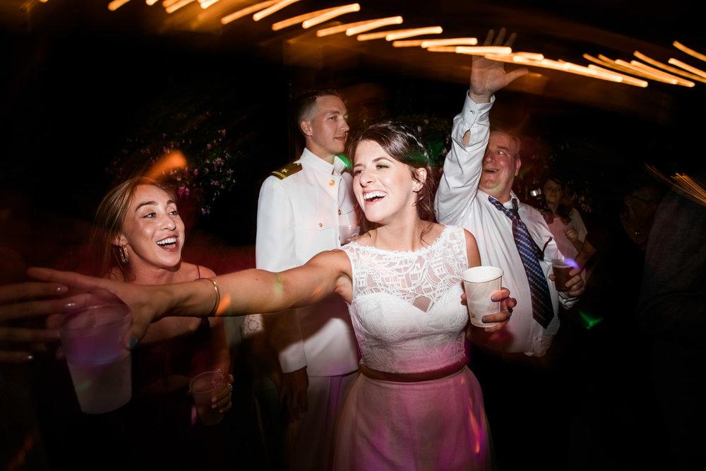 Bridal-Veil-Lake-Wedding-Portland-Photographers_TR_072.jpg