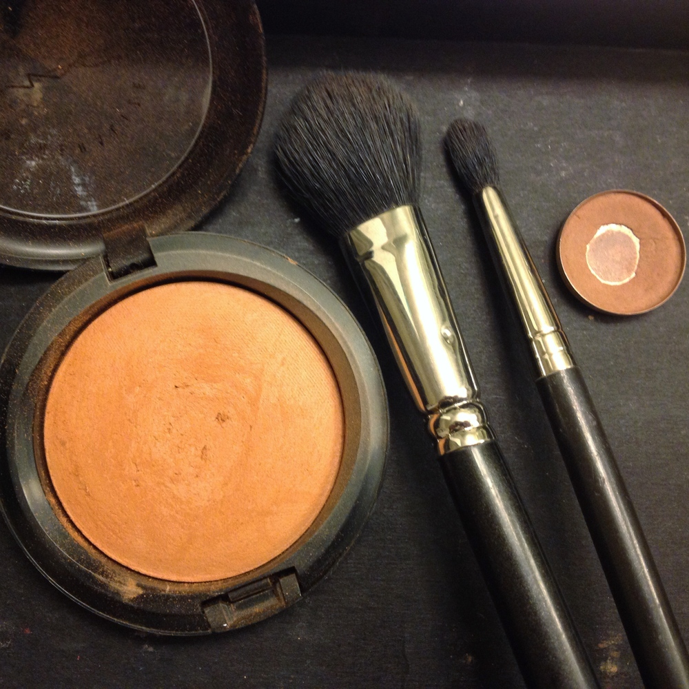 Create contouring and shadowing in the crease of eyes, cheek bones, jawline, below lip, and outside of nose.