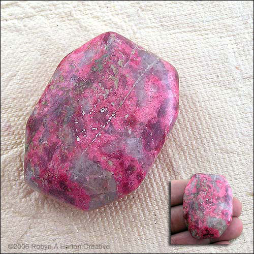 Dark Thulite Example