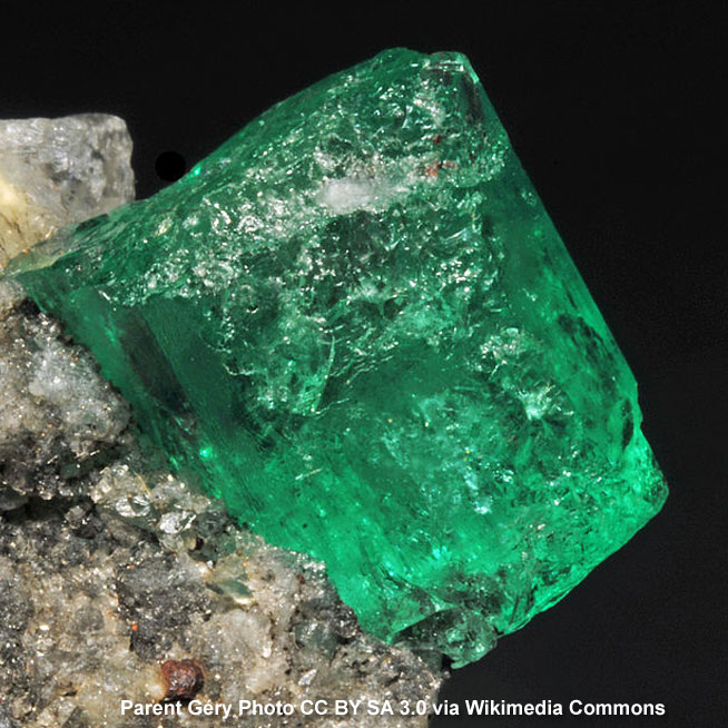 Emerald Crystal Photo by Parent Gery CC BY SA 3.0 via Wikimedia Commons