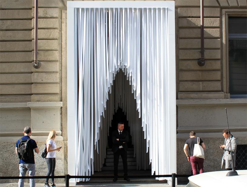 Milan COS Store Entrance, COS x Snarkitecture, photo designboom