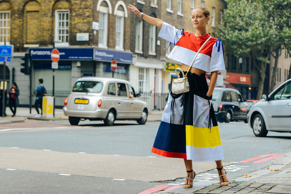 Primary Colours Street Style, photo from lyonsfeel.com