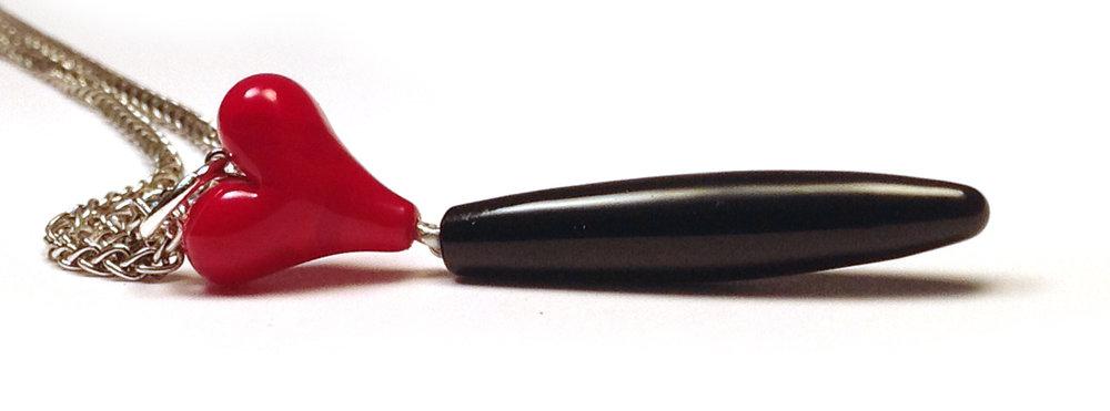 Queen of Hearts Petite Pendant - $40 JillSymons.com Lampwork