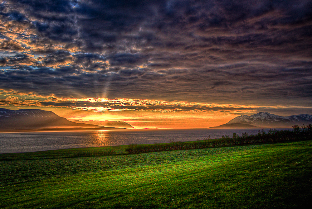Yelp-AJK-Iceland sunset.jpg
