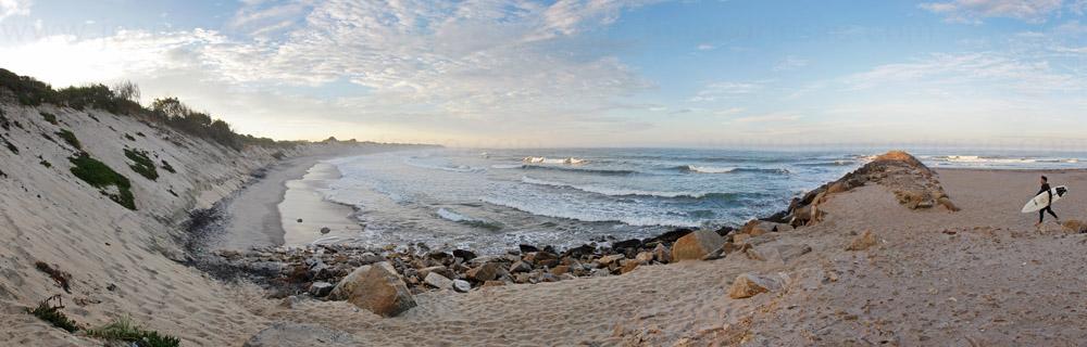 Praia_Ofir_surfer.jpg