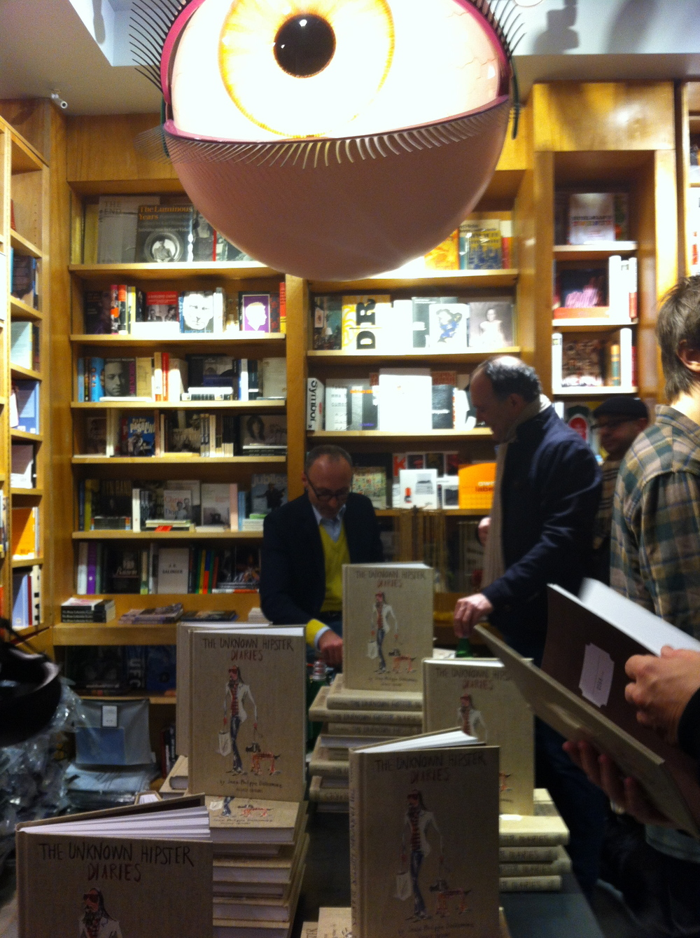 (Booksigning at Bookmarc in New York City, November 15, 2012)