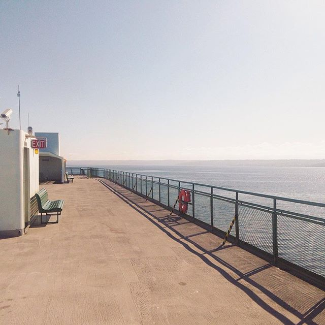 ...that nice infinite view and a great sized patio to linger on a bright sunny morning... Ferries, they're so fun here on PNW :) #theoutbound #bestofvsco #neverstopexploring #VSCOcam #VSCOphile #seattle_iggers