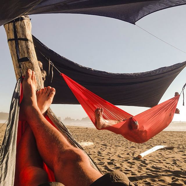 Find a spot in an amazing place. Set up a hammock. Repeat. @enohammocks #enohammocks #hammockmasters #shishibeach #liveadventurous #enonation #summer #getoutdoors #rei #rei1440project #outdoors