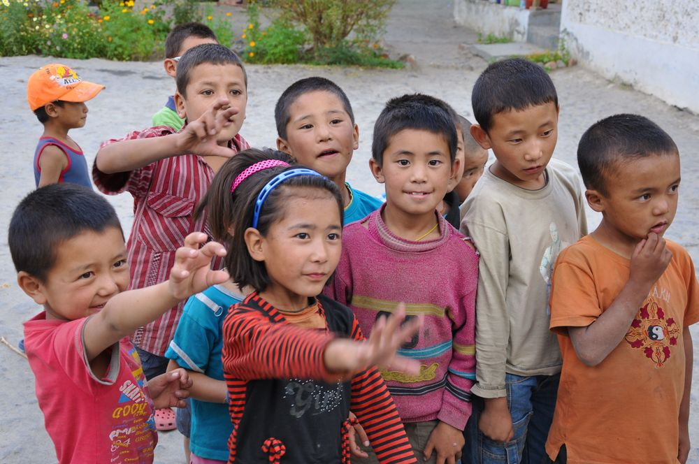 Himalayan school children