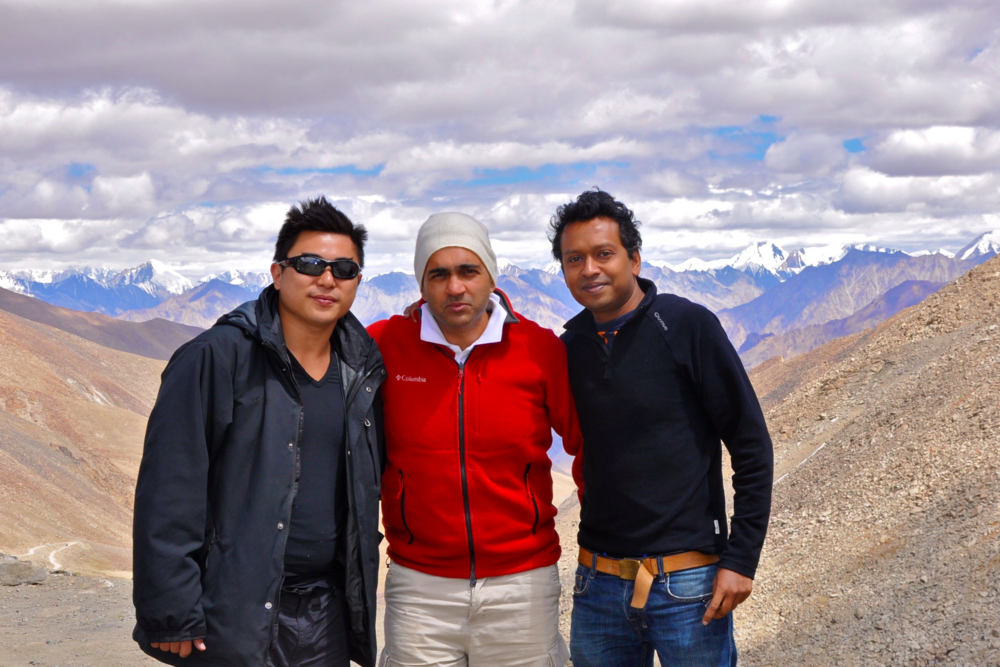 Dr Ang, Dr Mehta and Mr Angunawela at the Khardung la pass