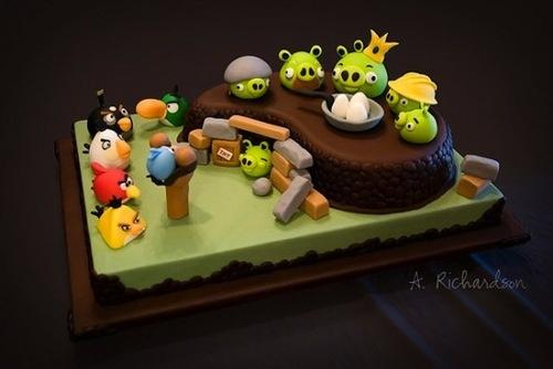 angry-birds-cake.jpg