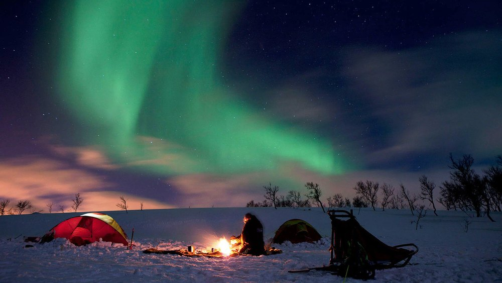 Northern-Lights-Camping.jpg