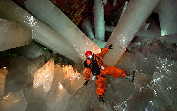 cave-of-crystals-mexico-6.jpg