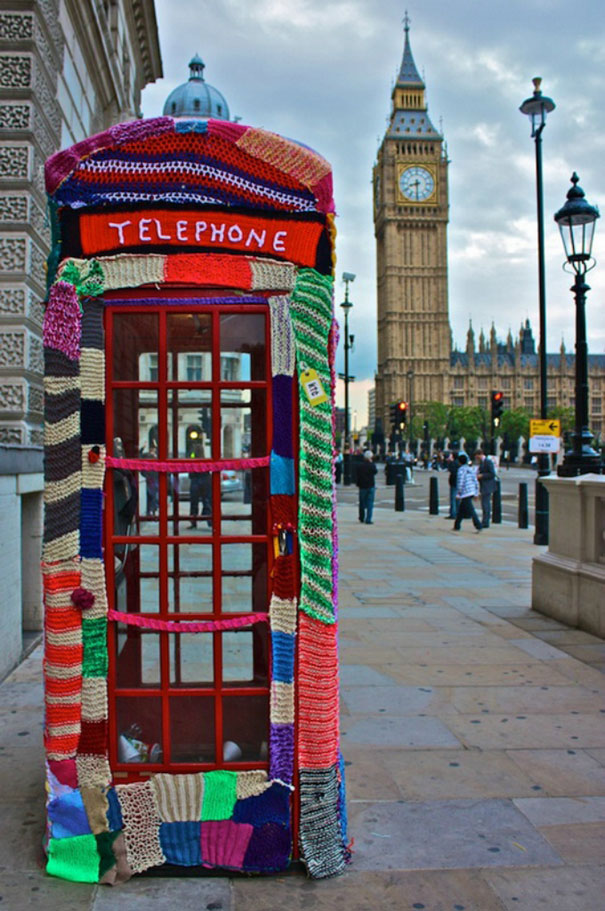 yarn-bombing-knitted-telephone-booth.jpg