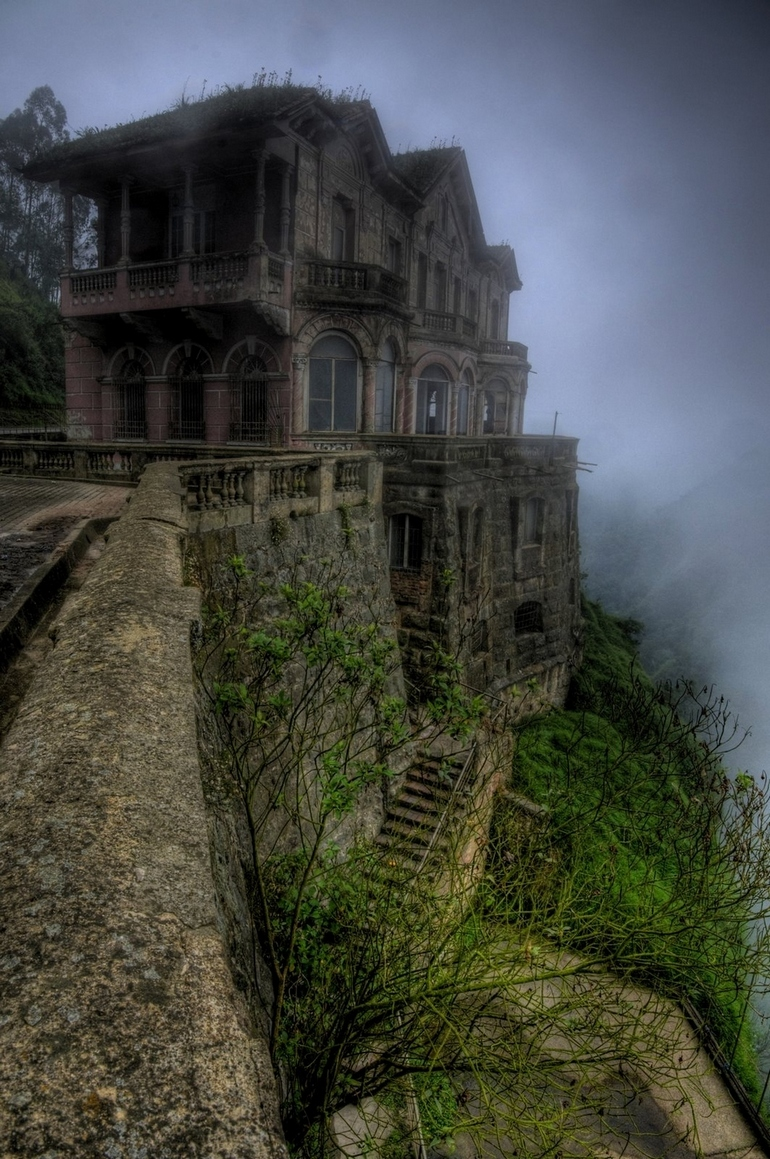 top-33-most-beautiful-abandoned-places-in-the-world-30.jpg