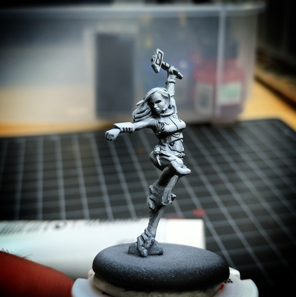 A sketch of Honor from the Guild Ball Kickoff box set. Notice that the transitions on her legs aren't particularly smooth.