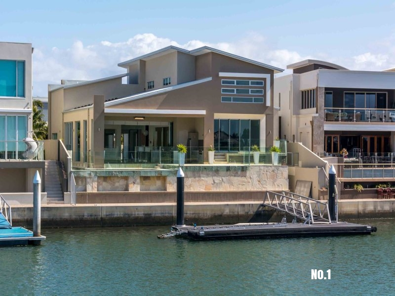 10 Royal Albert Crescent, Sovereign Islands