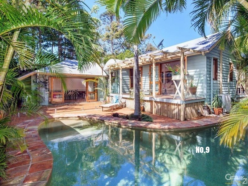 8 Duke Street, Sunshine Beach